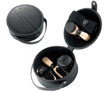 Round Travel Shoe Shine Set